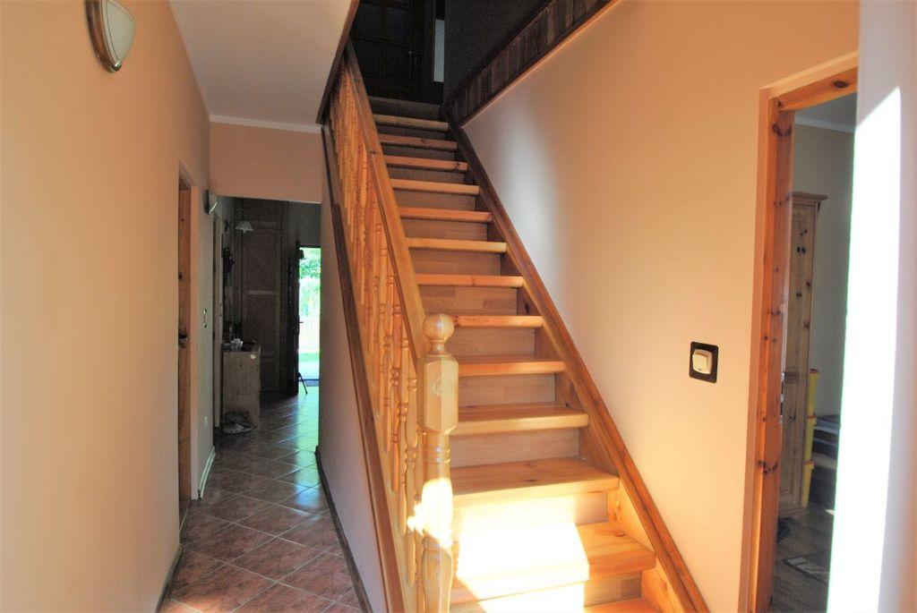 Całoroczny dom z 2008 roku o powierzchni użytkowej 137 m2, w malowniczej miejscowości Długie, przylegający ogrodem ...