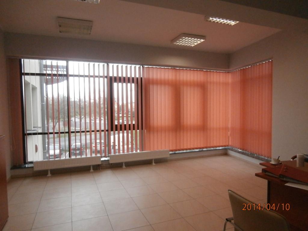 Lokal handlowo-usługowy w skład którego wchodzą dwa pomieszczenia o łącznej  pow. 54 m2. Nieruchomość ...