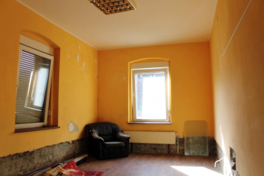KAMIENICA DO WYNAJĘCIA - LOKALE UŻYTKOWE   Lokal o pow. ponad 50 m2 położony w ścisłym centrum Deszczna, w ...