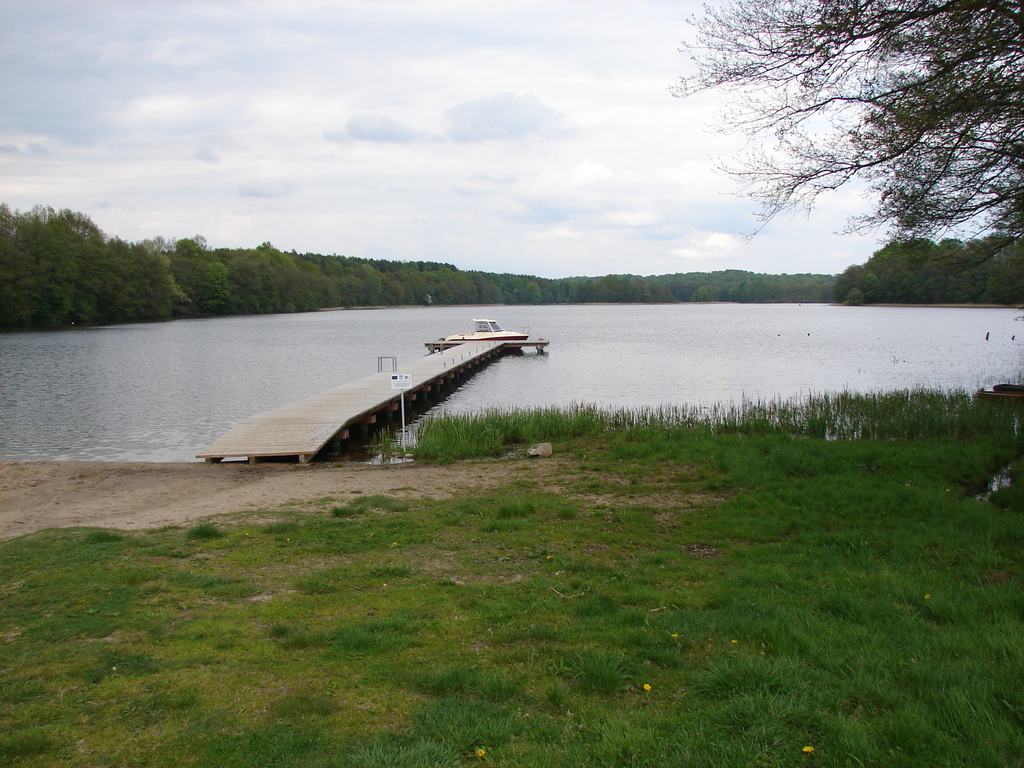 Pięknie położona działka między jeziorem Drawsko, a Piasecznik Mały w miejscowości Siemczyno gm. ...