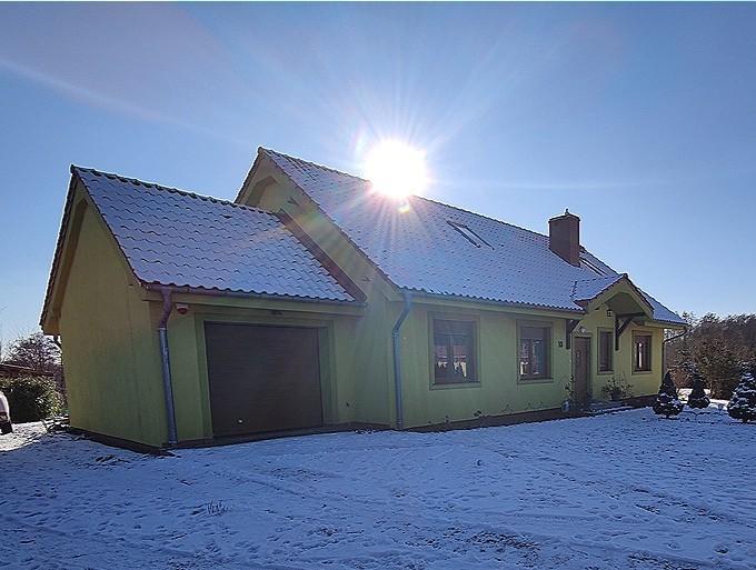 REZERWACJA   Dom jednorodzinny o pow. użytkowej 145m2, całkowita ok. 200m2,  położony na działce o powierzchni ...
