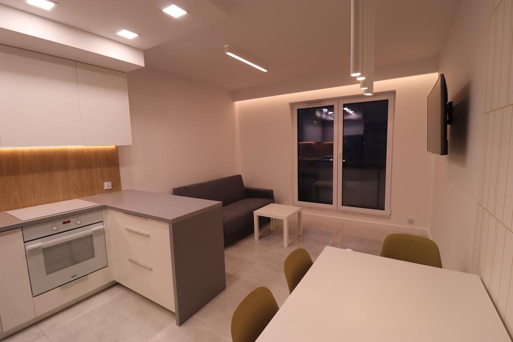 Komfortowe nowe mieszkanie w bloku z windą!  Do wynajęcia atrakcyjne mieszkanie usytuowane na I piętrze w bloku przy ...