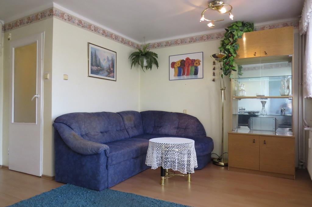 Na sprzedaż mieszkanie 2 pokojowe o powierzchni 46m2 znajdujące się na 3 piętrze w niskim bloku w centrum miasta ...