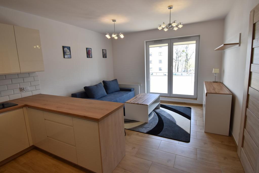 Atrakcyjne, umeblowane mieszkanie 2-pokojowe na Os. Staszica ul. Kotsisa. Nowy budynek z 2021r., z windą. Pow. 32m2, I ...
