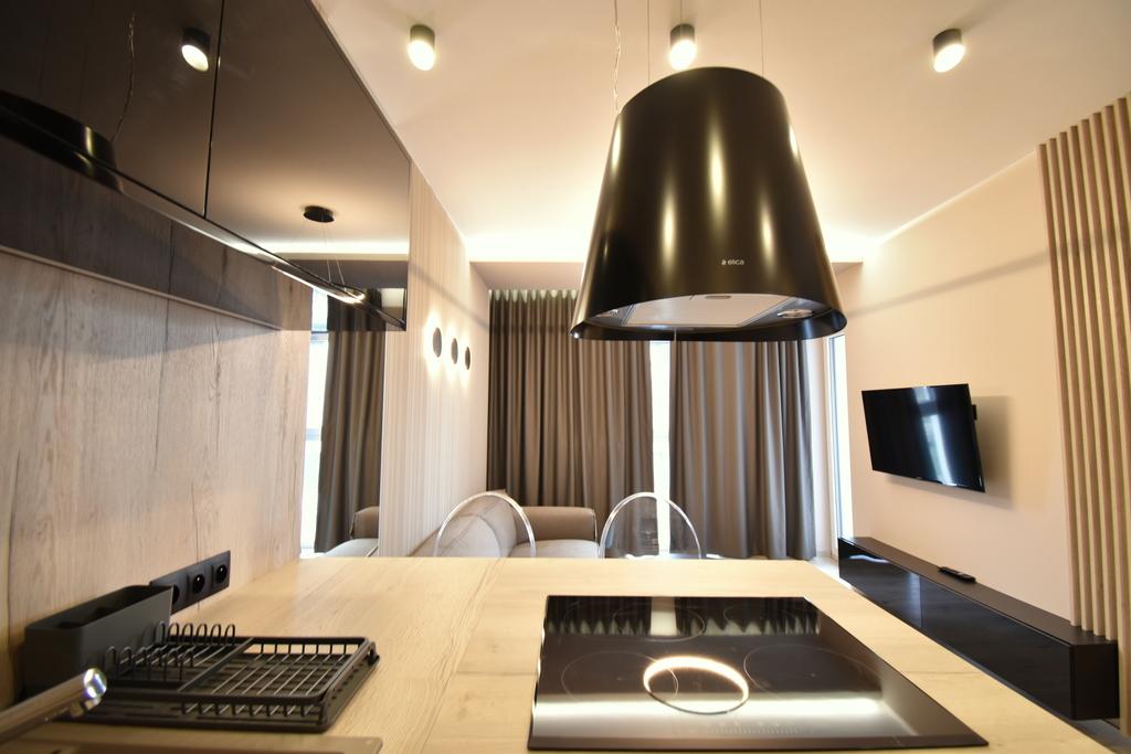 Mieszkanie wolne od zaraz.  Przedmiotem wynajmu jest apartament wraz z miejscem postojowym przy ul. Warszawskiej na ...