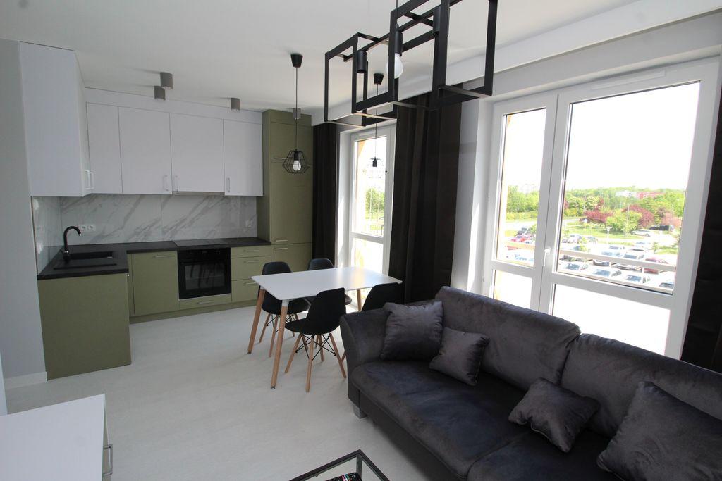 Forum nieruchomości Oferujemy do wynajęcia lokal mieszkalny o powierzchni około 50 m2 zlokalizowany na parterze w niskim bloku z windą z ...