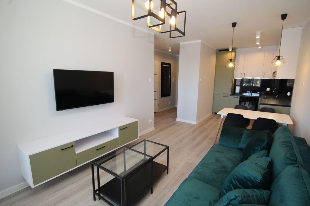 Forum nieruchomości Oferujemy do wynajęcia lokal mieszkalny o powierzchni około 43 m2 zlokalizowany na parterze w niskim bloku z windą z ...