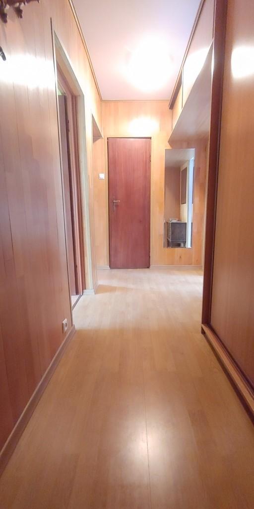 Zapraszamy Państwa na prezentacje atrakcyjnego 3 pokojowego mieszkania usytuowanego na 4 piętrze w 10 piętrowym ...