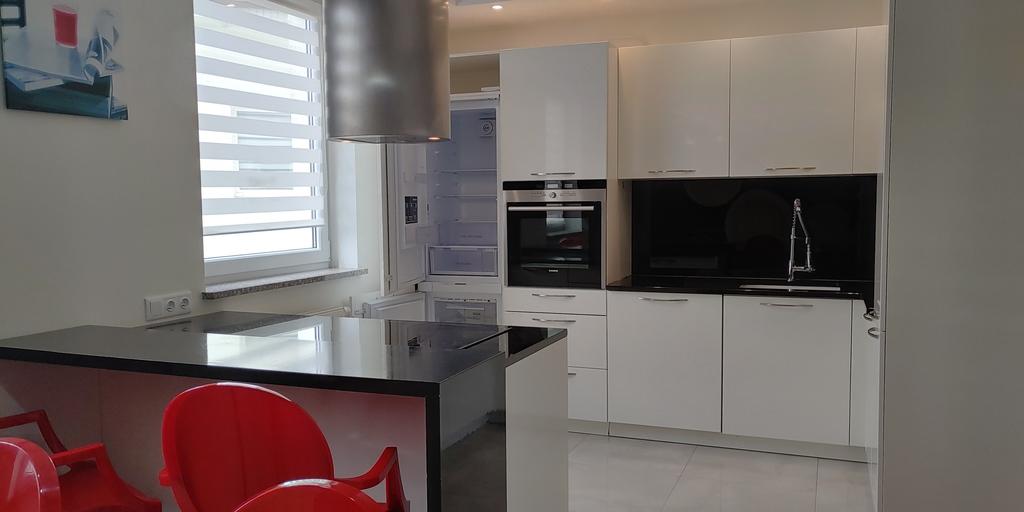 Zapraszamy Państwa na prezentacje atrakcyjnego 2 poziomowego mieszkania usytuowanego na III piętrze w niskim bloku ...